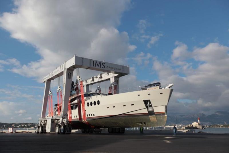 Mobile Boat Hoist MBH 670 - Cimolai Technology