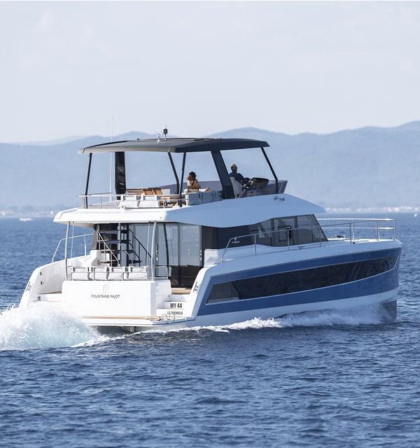 Power catamarans MY 44
