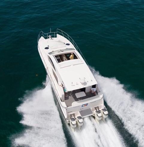 Mares Catamaran Outboard Express 2018