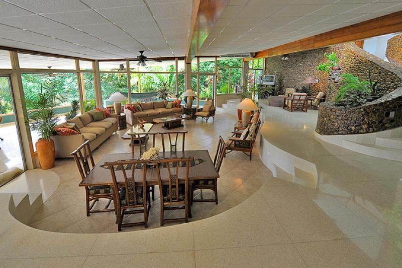 El Palacio at the Tropic Star Lodge