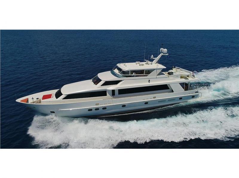 Hargrave Motor Yacht 2008
