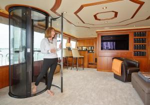 PVE37 - Yacht Elevator