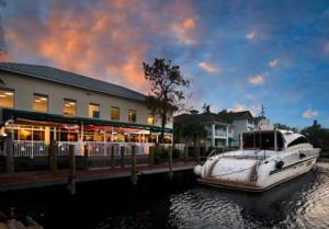 The Rendezvous Waterfront Bar & Grill
