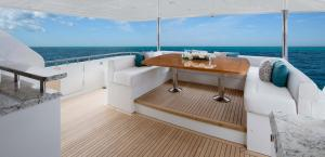 100 Flybridge - Ocean Alexander