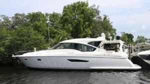Just A Toy - 58' 2009 Tiara 5800 Sovran