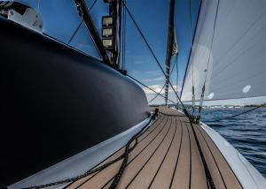 Sailing & Motor Yachts – Teakdecking Systems