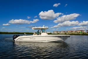 2016 Boston Whaler 330 Outrage - Real Escape