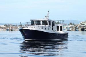American Tug 395 bow A