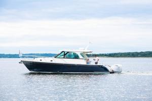 Hinckley Sport Boat 40 Express