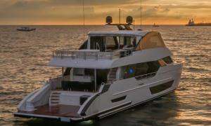 Image of Ocean Alexander 27E from aft